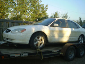 2000 ford taurus se parting out,