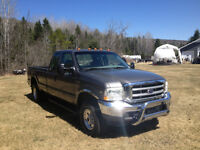 2002 Ford F-250 Bas millage, Aucune rouille!