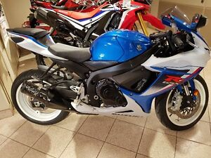 2013 Suzuki GSXR 600. Low km. $99 bi-weekly