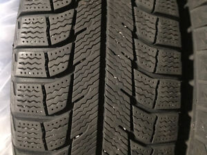 Michelin X Ice Xi 2 Winter tires (very mint condition)