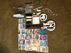 Wii Console, 20 games, controllers