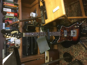 Vintage 1968 Supro Lexington guitar