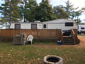 1993 Dutchman Classic 35 FWRK Fifth Wheel