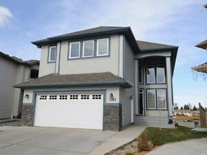 5 Beds, 5 Baths, 3000 Sq Feet House for rent South side