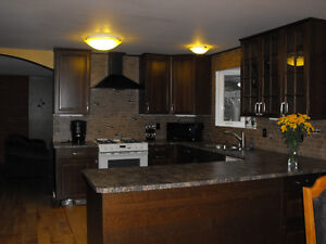 Lake view home in Lake Country available to april 30