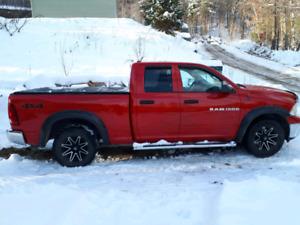 Dodge ram1500  2012 v8 *tres bas kilométrages*