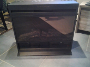 FIREPLACE INSERT WITH REALISTIC FIRE FEATURE AND 3 HEAT LEVELS