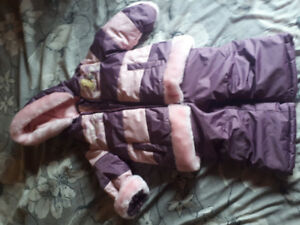 Toddler snow pant and jacket. Says 6-12m but my 18m old fit.