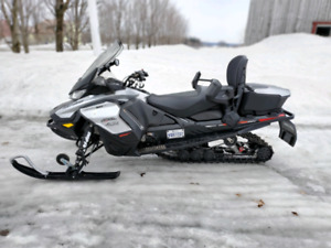 SKII-DOO  BOMBARDIER GRAND TOURING LIMITED 2019