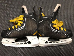 patin Bauer Supreme Pro Y12 et Culotte hockey CMM Small