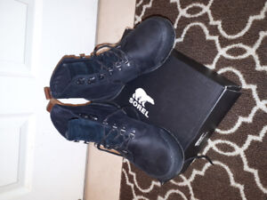 NEW BLACK LEATHER SOREL MENS BOOTS SIZE 9