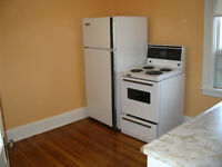 2 bedroom apt., avail July 1 or June 1, Bloor /Ossington, $1800
