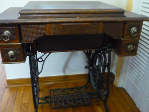 1884 New Williams Antique Sewing Machine $325.00