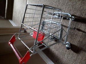 Melissa and Doug grocery cart. Excellent condition