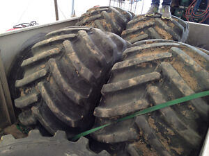 FLOATER TIRES PERFECT FOR YOUR SILAGE TRUCKS! Edmonton Edmonton Area image 2