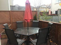 Great quality Patio Set with Umbrella for sale!