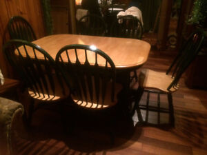 Solid Wood Table and 6 Chairs with 2 Leafs