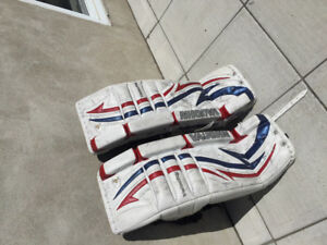 Équipement de gardien / Hockey goalie equipment