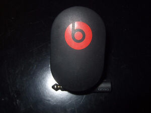 Beats 10w Power Adapter and Headphone 3.5mm to 6.5mm Adapter