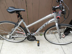 WOMAN'S FELT QX 6.5 MOTOCROSS BICYCLE AND ACCESSORIES!