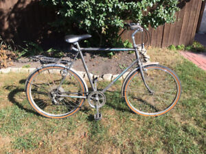 6 speed commuter bicycle
