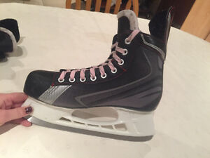 Men's BAUER hockey skates size 8 Windsor Region Ontario image 3
