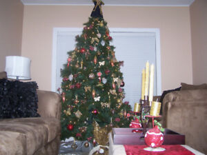 7.5 ft Cashmere Christmas Tree with Lights