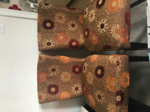 SET OF TWO ACCENT HIGH CHAIRS