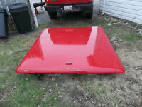 6 ft ==LEER==hard top cover with keys needs a shock