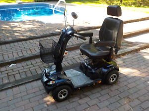 Invacare Pegasus 4 Wheel Scooter, Blue with 8A Charger Kawartha Lakes Peterborough Area image 4