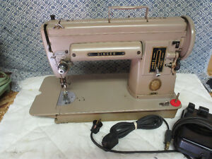 SINGER SEWING MACHINE MODEL 301
