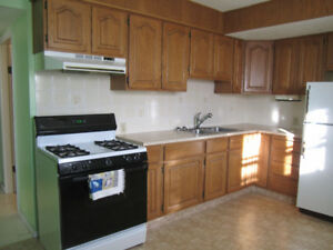 2+1 bdr bungalow  in centre of Bowness nearby Bow river