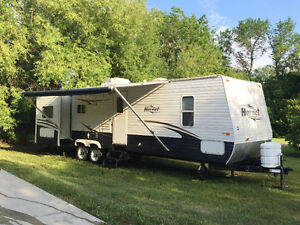 32ft Hornet Travel Trailer