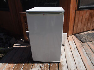 LG Portable Fridge in Very Good Condition