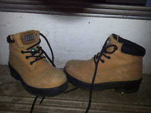 Dakota ladies safety boots