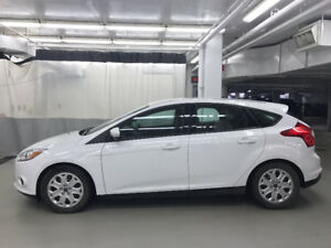 2014 Ford Focus SE Hatchback Super low miles, Clean Car Proof.