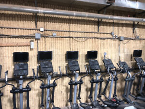 Life Fitness Clsx Full Commercial Elliptical Blowout!