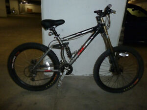 GIANT 2001 XTC AC 1 FULL SUSPENSION BIKE