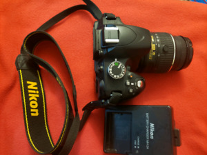 Nikon D3200 with bag and 18-55mm lens