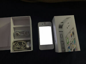 iPhone 4S barely used