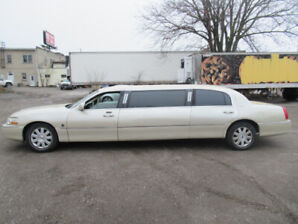2003 Lincoln Town Car Executive w/Limo Pkg Sedan 8 SEATS