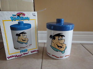 Collectible Flinstone cartoon cookie jar kitchen storage New box