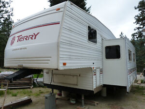 2002 Terry 26 5H Fifth Wheel