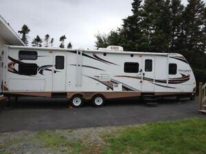 2013 Keystone Passport GT 3220 Travel Trailer Mint Condition