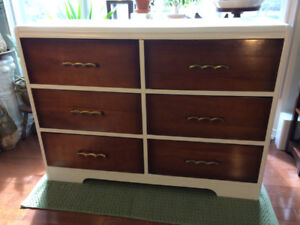Solid Wood Dresser – 6 Drawers