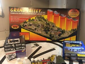 HO SCALE TRAIN LAYOUT MUST SEE !