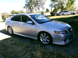2004 Acura TSX 6 speed Fully Loaded LOW Kms