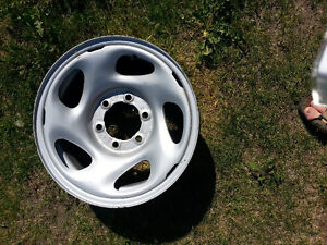 "16"" Toyota 6 Bolt Steel wheel – Nearly New"