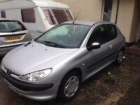 Peugeot 206 1.2 cc fab lil car new mot two day drives fab cheep run