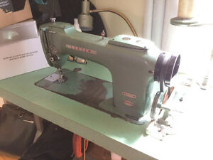 Consew 220 straight stitch industrial sewing machine